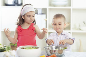 Tips for Raising A Healthy Eater | Twin Cities Moms Blog