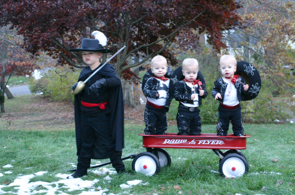 simple diy halloween costumes anyone can make twin cities moms blog