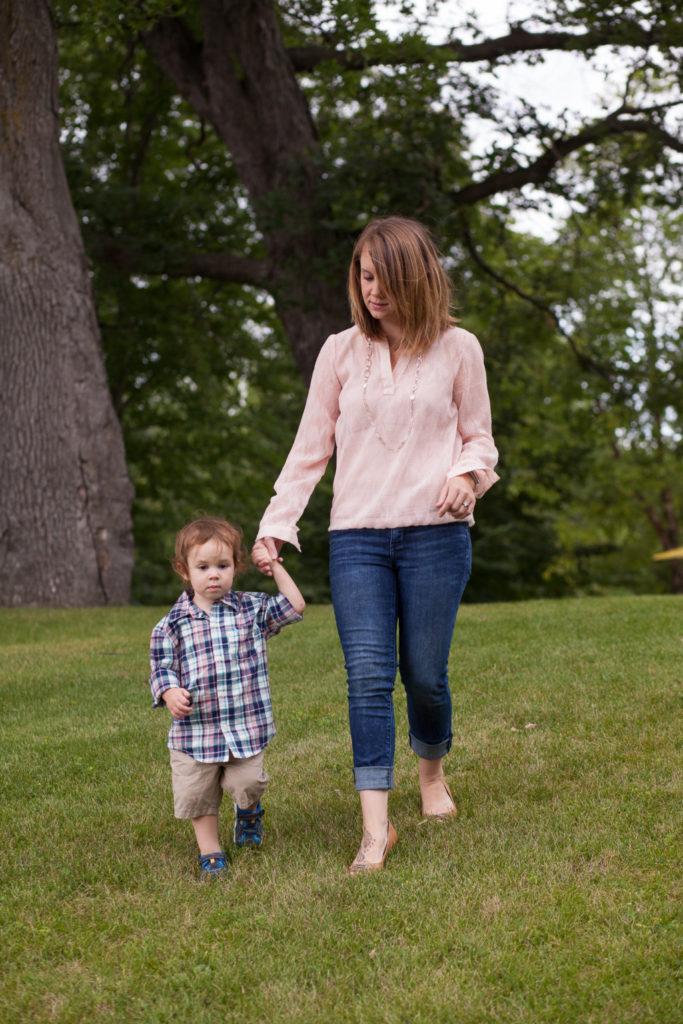 The Grass is Always Greener: The Loneliness of Motherhood | Twin Cities Moms Blog
