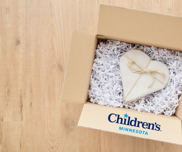 Tips on Teaching Gratefulness with Children's Minnesota (+ Printable!) | Twin Cities Moms Blog