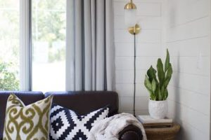 shiplap-couch
