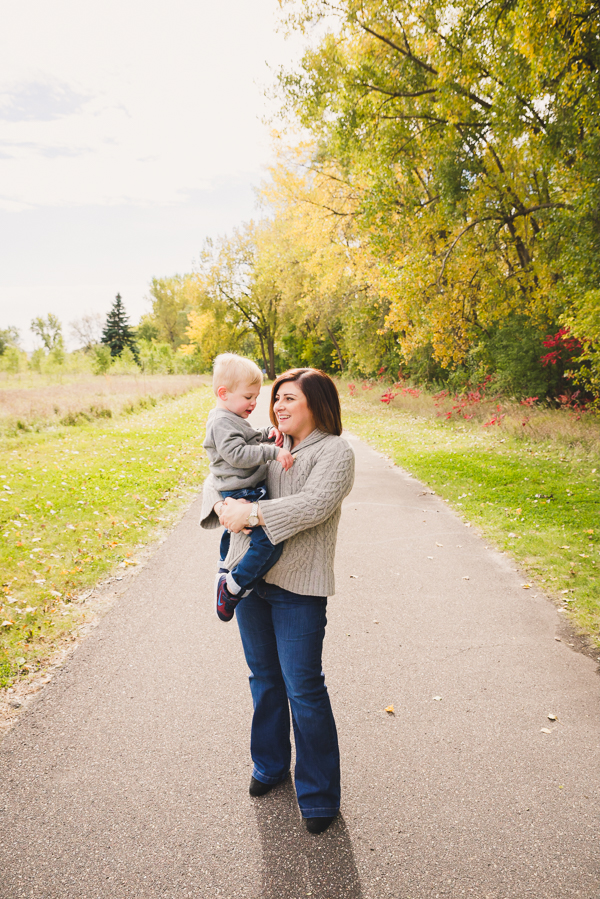 4 Things to Focus On for Family Photos | Twin Cities Moms Blog