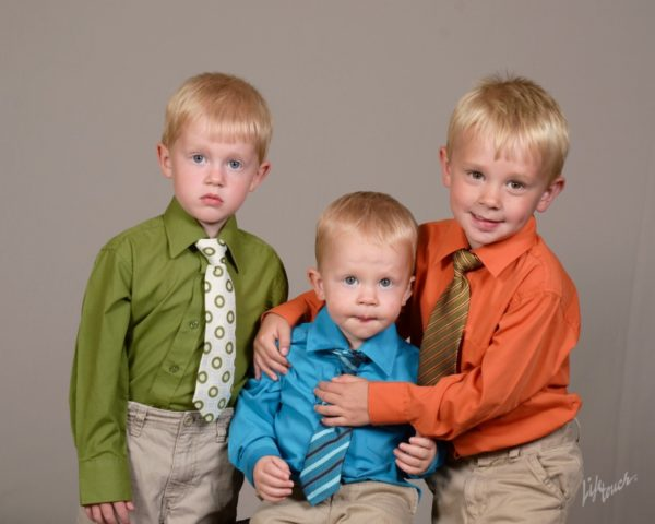 Awkward Family Photos: Loving the Imperfect | Twin Cities Moms Blog