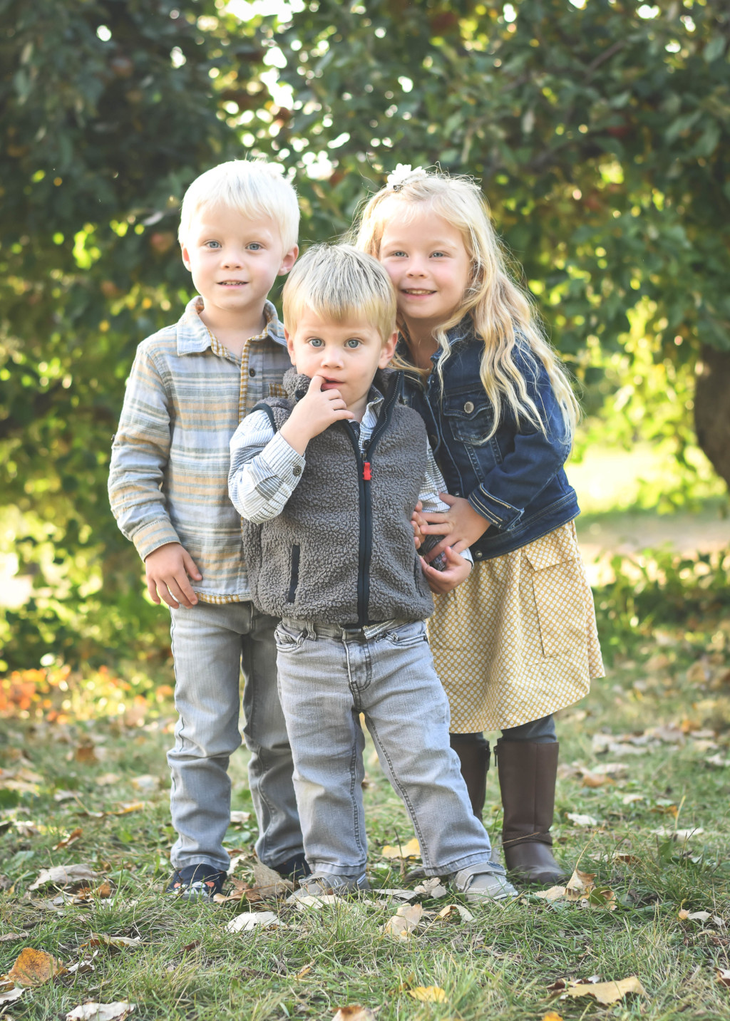 The Same Two Feet of Space (National Siblings Day 2018) | Twin Cities Moms Blog