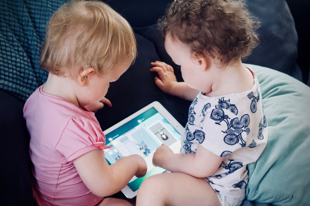 Let's Get Real About Screen Time   Twin Cities Moms Blog
