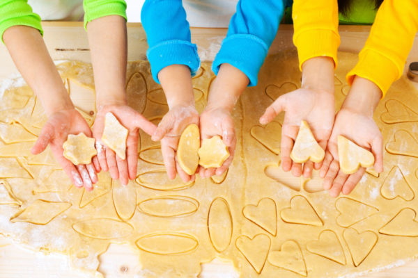 5 Reasons To Get Your Kids In The Kitchen | Twin Cities Moms Blog