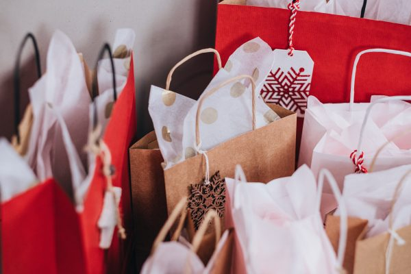 Holiday Gift Giving: Getting The Kids Involved | Twin Cities Mom Collective