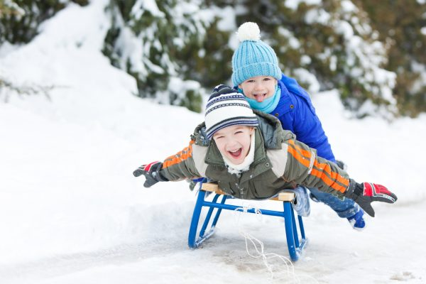 Getting Your Kids Outside: Winter Activity Ideas for the Tired Mom | Twin Cities Mom Collective