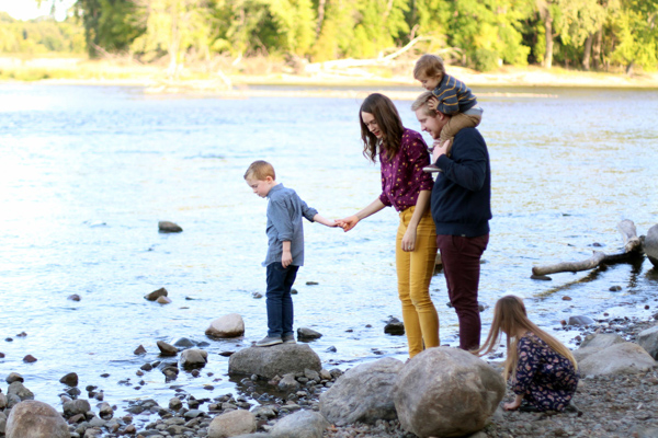 Why I Don't Stress About Getting the Perfect Family Picture | Twin Cities Mom Collective
